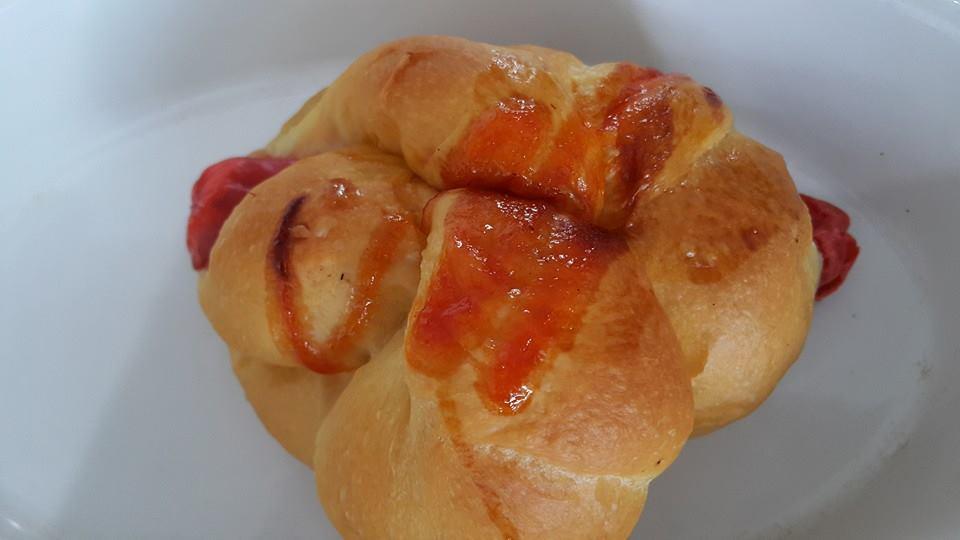 Roti Sosis Kepang